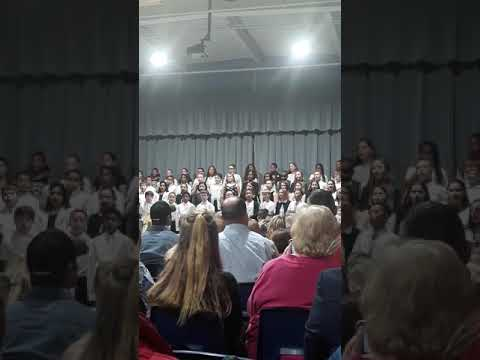 Star hill elementary school singing????????