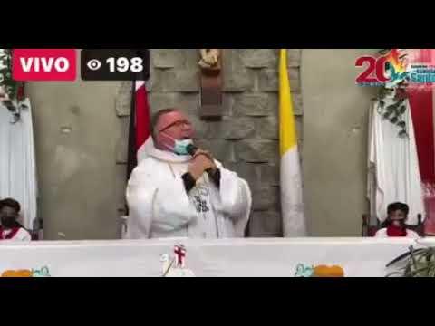 """""""Sin la mascarilla, hay covid pa' ti, hay covid pa'mí"""": canción viral de un sacerdote en Costa Risa"""