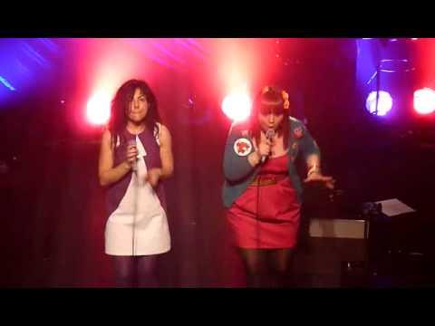 Luce et Clarika - Les Garçons dans les vestiaires