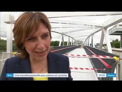 Gambsheim La Plus Grande Passerelle Pour Pietons Et Cyclistes D Europe Est Installee