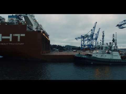 4K - OHT  Albatross loading 3x 1,000 tonne cranes in the Cork Harbour