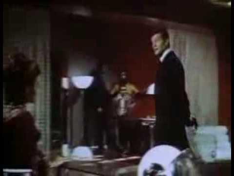 007 - Viva e deixe morrer trailer