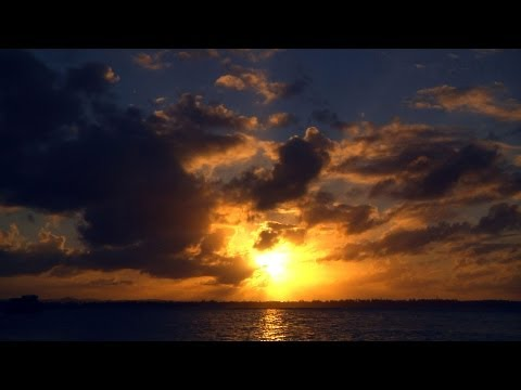 TIME LAPSE :: Beautiful Ocean Sunrises & Sunsets (1080p FULL HD)