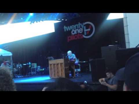 "Twenty One Pilots - ""Car Radio"" - Summerfest 2013 (Live)"