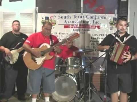 Acordeones de Tejas -  Los 4 Aces en Missouri City, Texas
