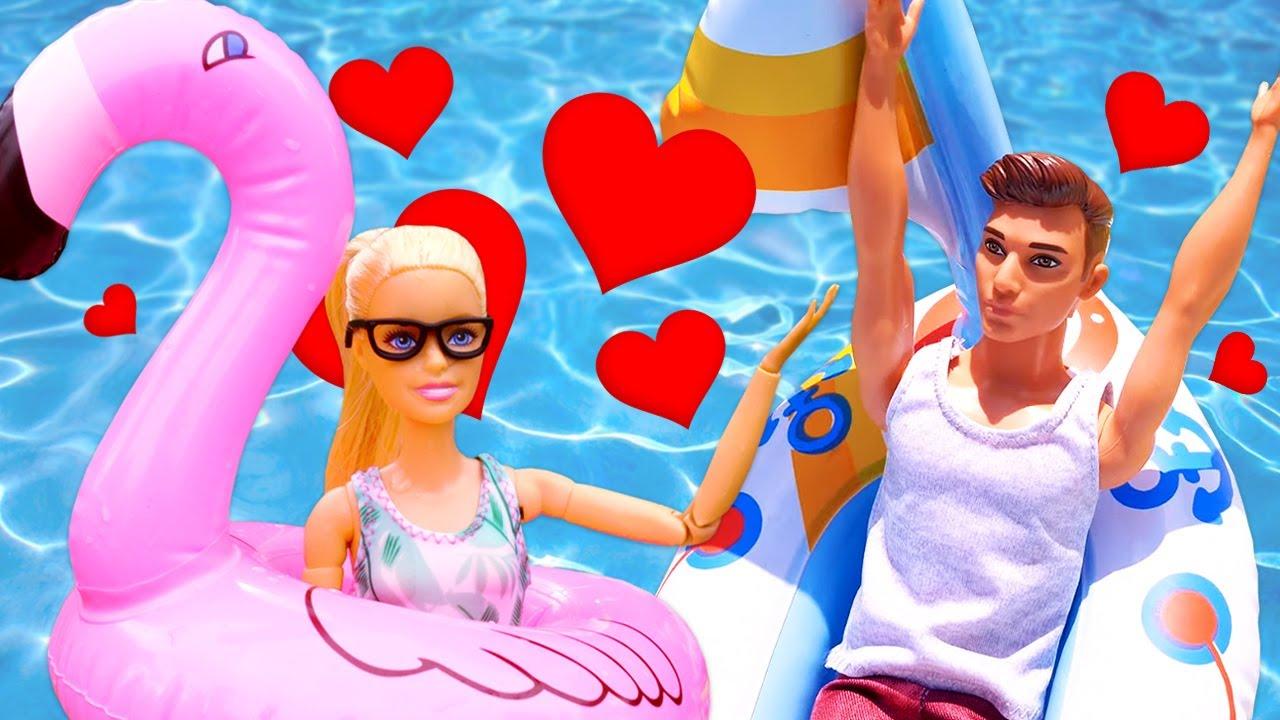 Barbie swimming pool fun! Barbie morning routine & Barbie doll videos for kids