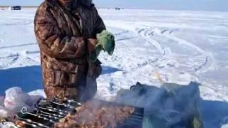 КАК В КАЗАХСТАНЕ СПАСАЮТ РЫБУ ОТ ЗАМОРА | Рыбалка | Fishing