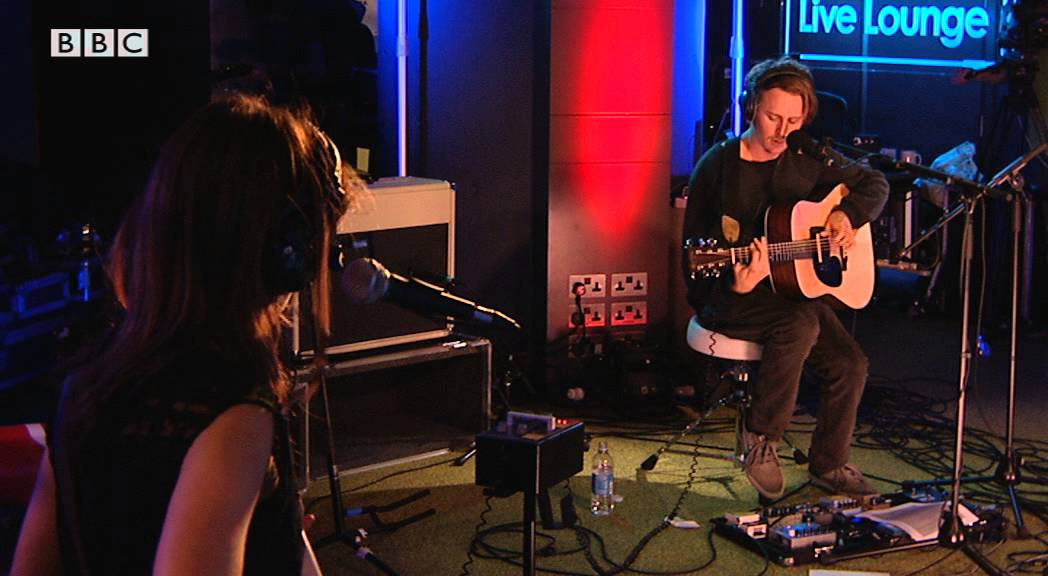 Ben Howard Covers Figure8 In The Bbc Radio 1 Live Lounge Youtube