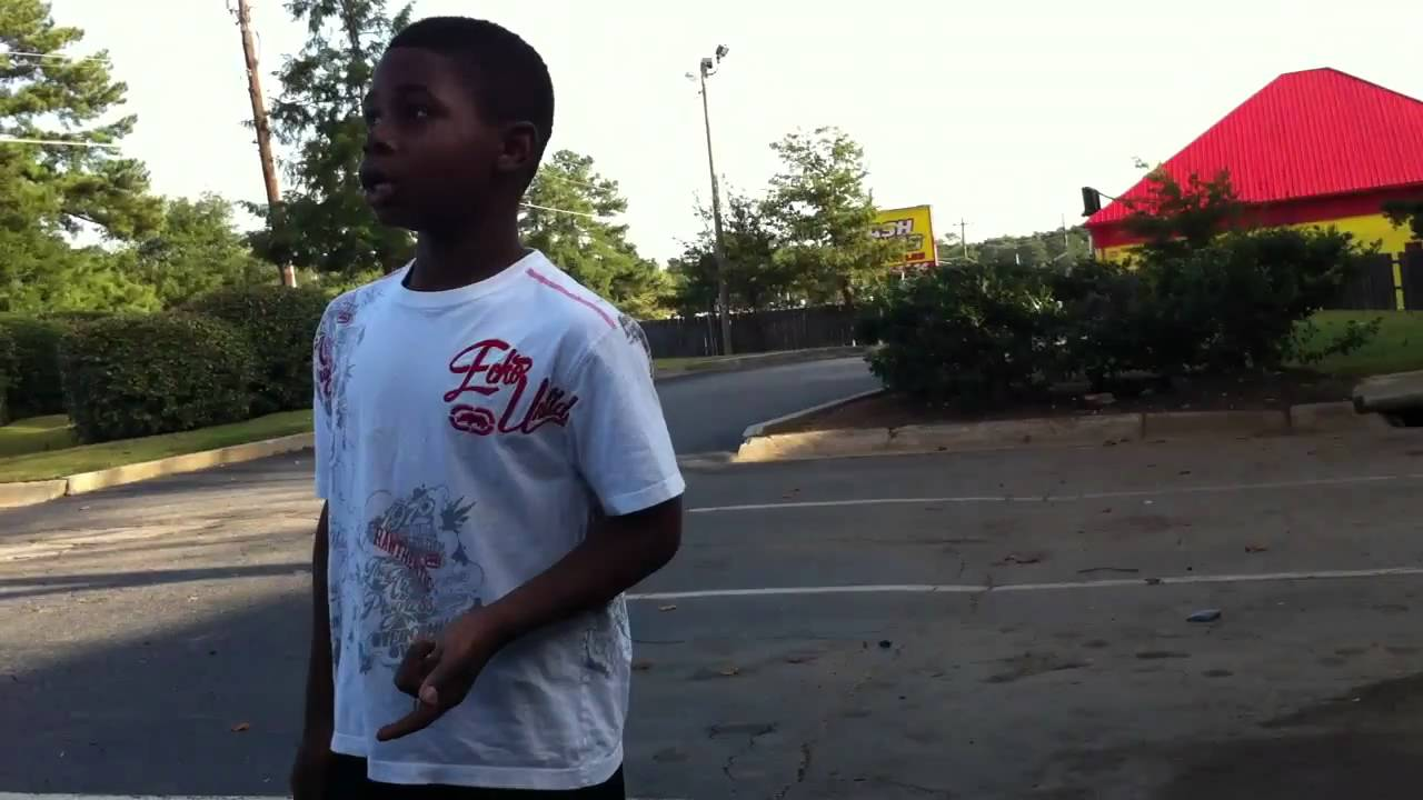 Soulja Boy Lil brother straight flexed up - YouTube