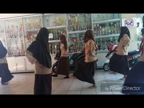 Tarian Tradisional Modern Betawi by Happy SMP Negeri 61 Jakarta
