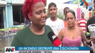 Incendio destruyó una colchonera en Santo Domingo