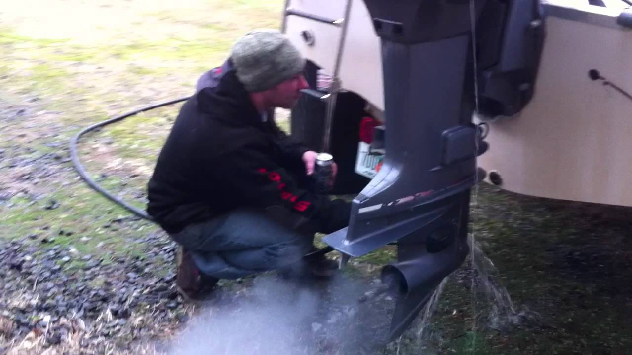 Winterizing Yamaha 150 2 Stroke Outboard Youtube