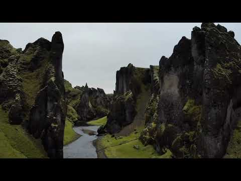 Fjaðrárgljúfur Canyon, South East Iceland | Icelandair