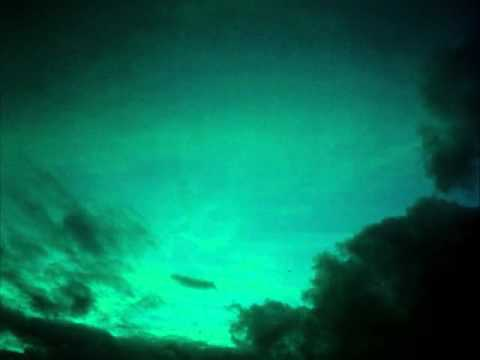 Elephant (2003) - The Clouds