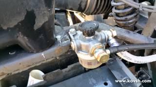 Установка ручного насоса подкачки топлива на Volvo FH13