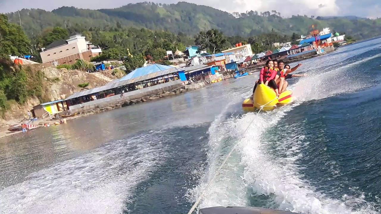 Keseruan Bermain Banana Boat Di Tigaras Danau Toba Youtube