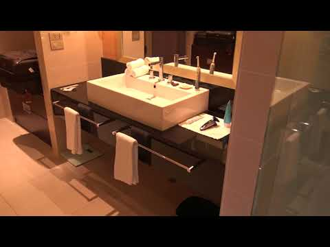 Pan Pacific, Perth, Australia: Pacific Club Suite after 2nd housekeeping