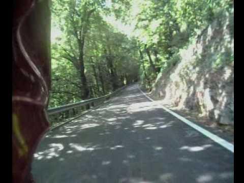 passo fittanze della sega (vr) in mezzo ai boschi