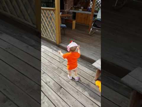 Лисенок танцует РЭП