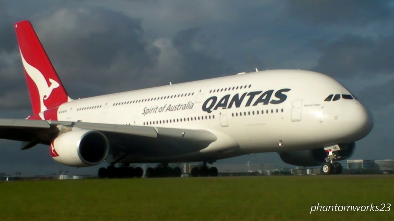 Qantas A380 800 Take Off 34l Sydney Airport Youtube