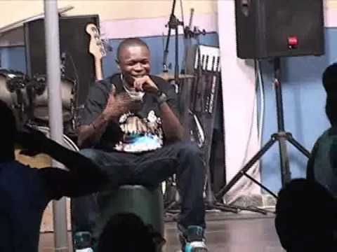 achara man performing at valencia boogie and woogie shows in owerri part1