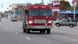 **Q-SIREN** Detroit Fire Department Engine 53 Responding to a Fire, Detroit, MI, USA, 10/19/2014.