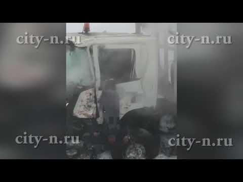 Жуткое ДТП в Кузбассе: КамАЗ разорван, Скания - в кювете
