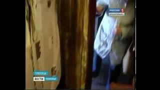В Плесецке жильцы одной из пятиэтажек требуют отремонтировать крышу(, 2014-10-17T11:50:03.000Z)