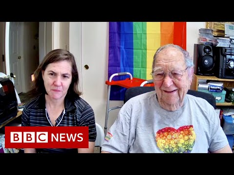 Coming out at 90 years old... to my gay daughter - BBC News