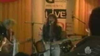 Смотреть клип Alexz Johnson - I'M In Love With My Guitar