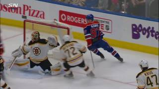 McDavid uses great hand-eye for sweet assist