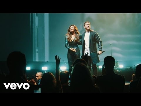 Nick Jonas - Close (Live On Honda Civic Tour: Future Now) ft. Demi Lovato