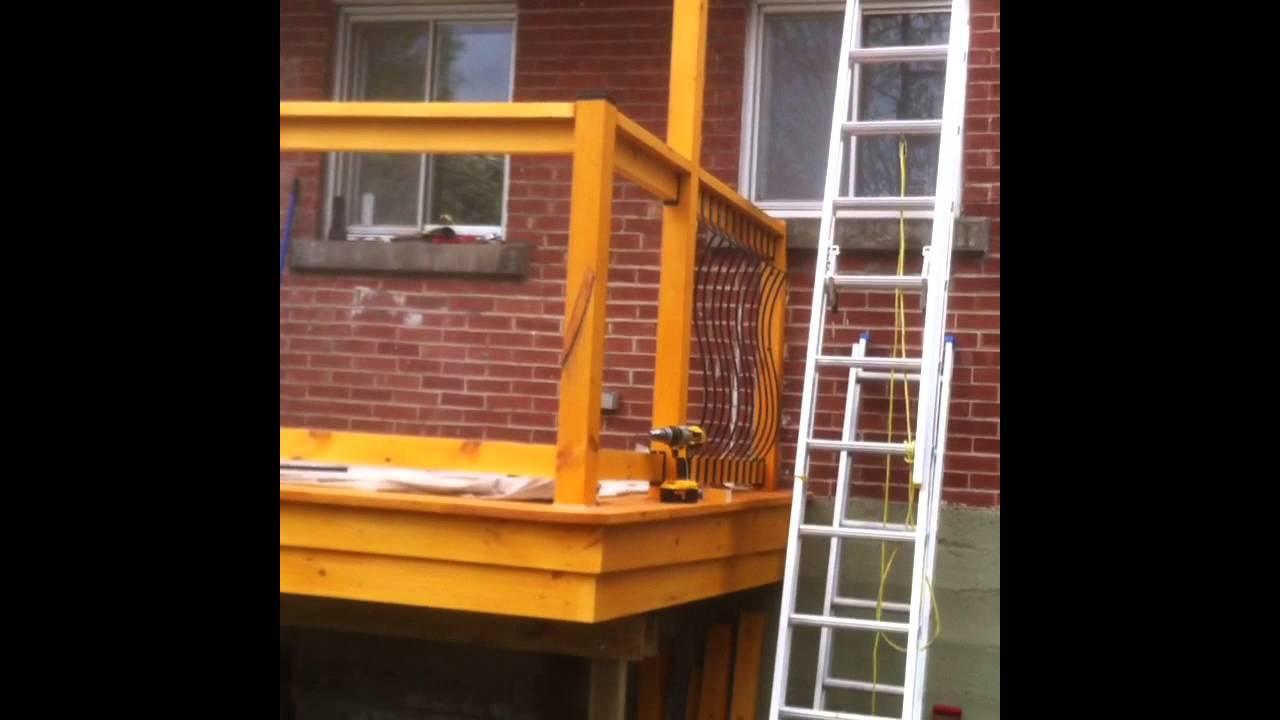balcons en bois youtube. Black Bedroom Furniture Sets. Home Design Ideas