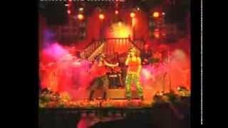 Shishi, China - Verzione Band (Show Bar)