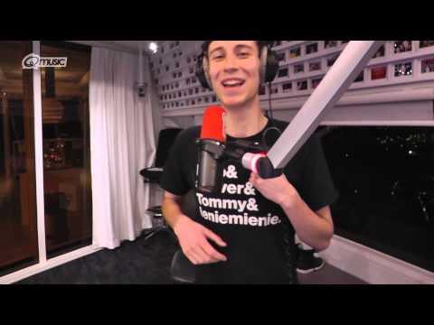 Q-dj Kai zingt 'Toen Ik Je Zag' live op de radio // Q-music