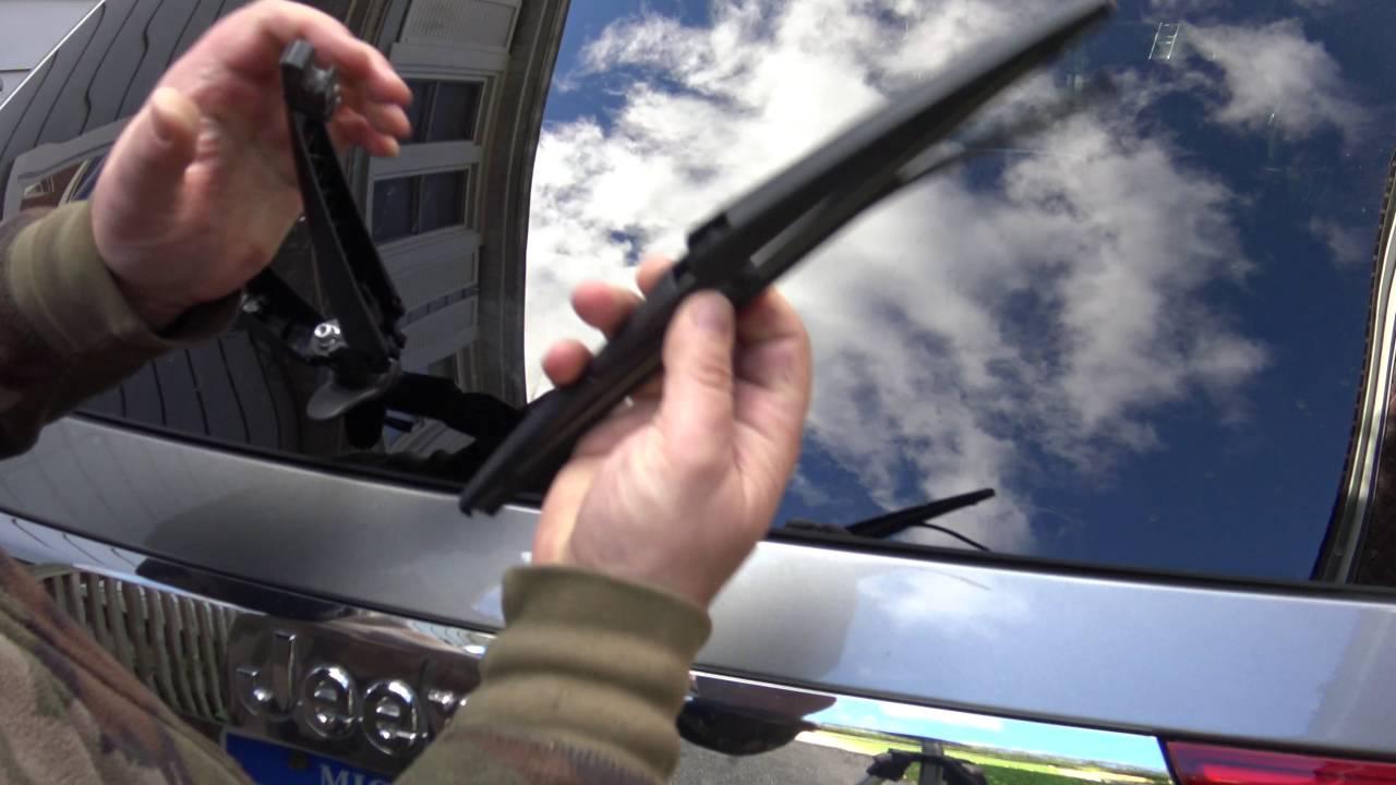 Jeep Grand Cherokee Rear Wiper Blade Replacement In 4k