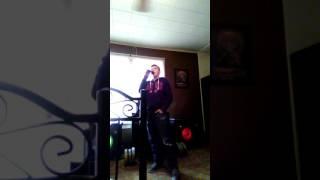Teen sings Luke Bryan
