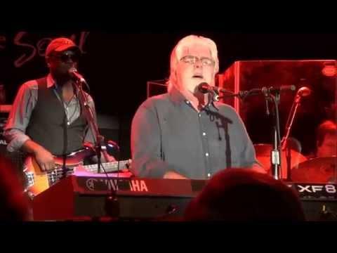 Michael McDonald - It Keeps You Runnin' - Live At The Canyon (2014)