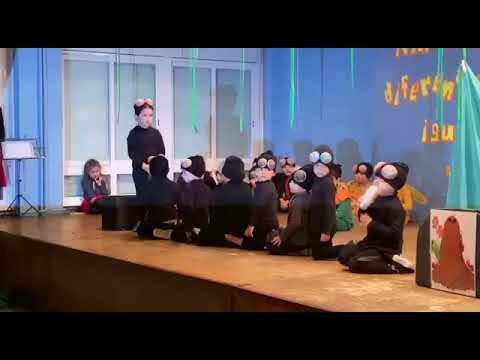 Os alumnos do CEIP O Foxo da Estrada reciben o Nadal cunha obra teatral