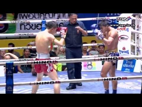 Professional Muay Thai Boxing from Lumphinee Stadium on 2014-12-06 at 4 pm