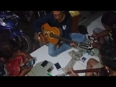 Sewu Kuto cover singo