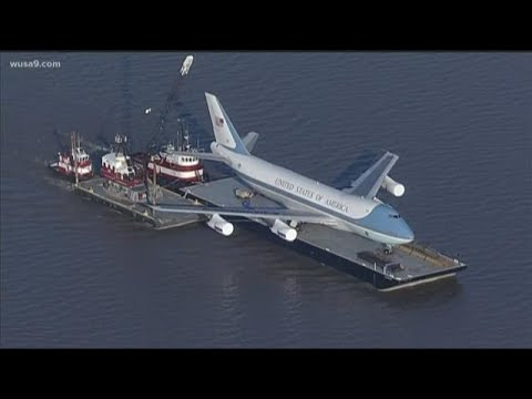 Replica of Airforce One rolls into National Harbor