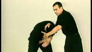 Крав Мага  Капап  Krav Maga  Kapap часть 1(Обучающее видео на английском, но вполне смотрибельно и понятно., 2012-03-08T17:28:46.000Z)