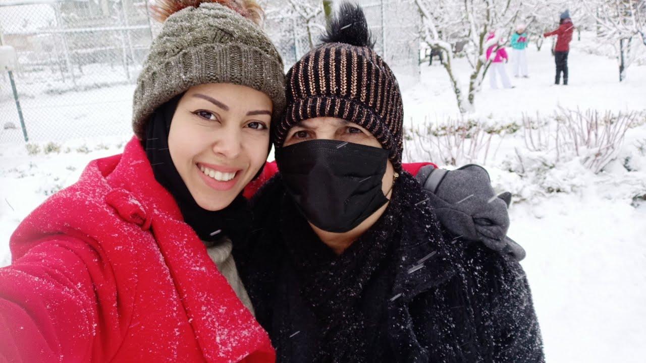 أول مرة ماما تشوف الثلج في حياتها على الواقع شوفو ردة فعلها😍🥳