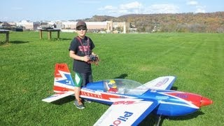 10 Year Old Justin Jee - Pilot-RC 35% Extra 300 Flight - 2012-10-21