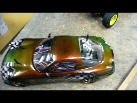 Harlequin Colour changing paint on a Tamiya TT01 - YouTube