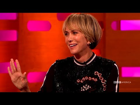 Kristen Wiig Stole Orphan Annie's Look  - The Graham Norton Show