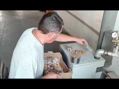 Как правильно колоть косточки абрикоса. Берите от фруктов максимум пользы.