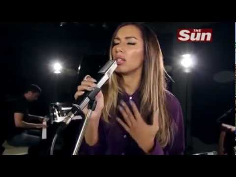 Leona Lewis - Glassheart Acoustic (Biz Sessions)