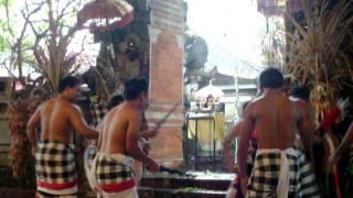 Tari Keris Bali